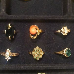 Jewelry - Vintage gold ring with green stones